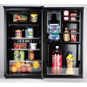 Sanyo Compact Refrigerator